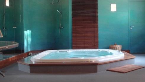 spa dans une salle d di e spas marques prix et sav. Black Bedroom Furniture Sets. Home Design Ideas